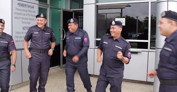 Malaysia's police join the Running Man Challenge